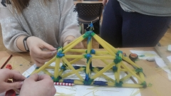 Spagetti-Bridge-contest-2nd-place-winners-Jonas-Basanavicius-pregymnasium-12