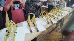 Spagetti-Bridge-contest-2nd-place-winners-Jonas-Basanavicius-pregymnasium-8